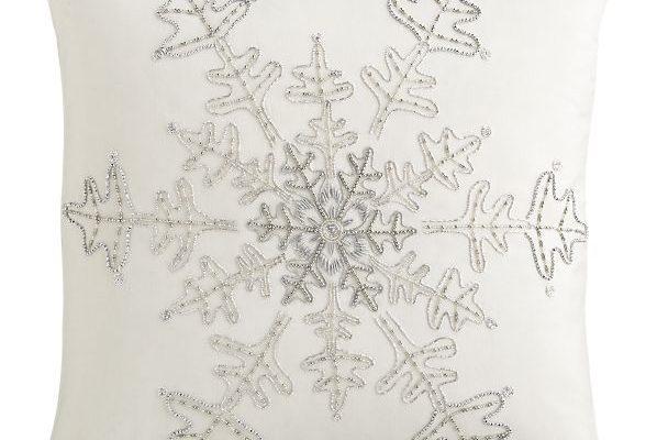 SnowflakePillow18inF11