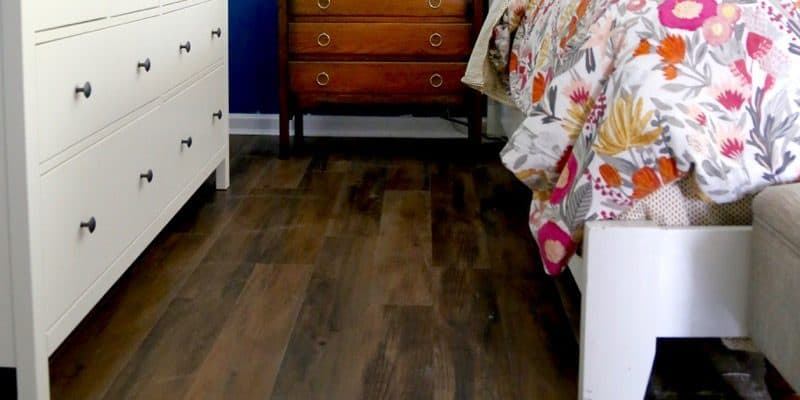 Can you believe this flooring is peel-and-stick vinyl and costs UNDER a dollar per square foot? This vinyl plank flooring is totally gorgeous, easy to install, durable, and so affordable.