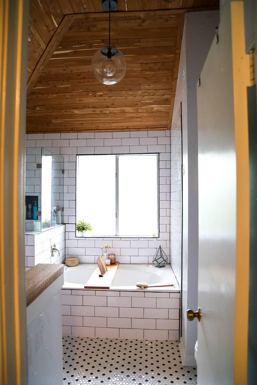 DIY Bathroom Remodel Ideas For A BudgetFriendly Beautiful Remodel - Diy bathroom remodel on a budget