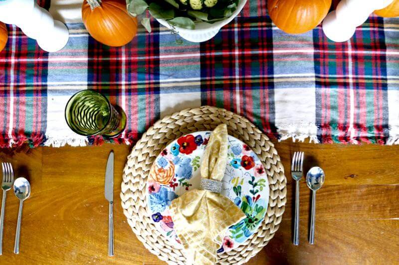 How to get your home guest ready and have your table setting all prepped and planned for Thanksgiving - long before the big day. Great ideas for decorating your table for Thanksgiving! This tablescape is beautiful!