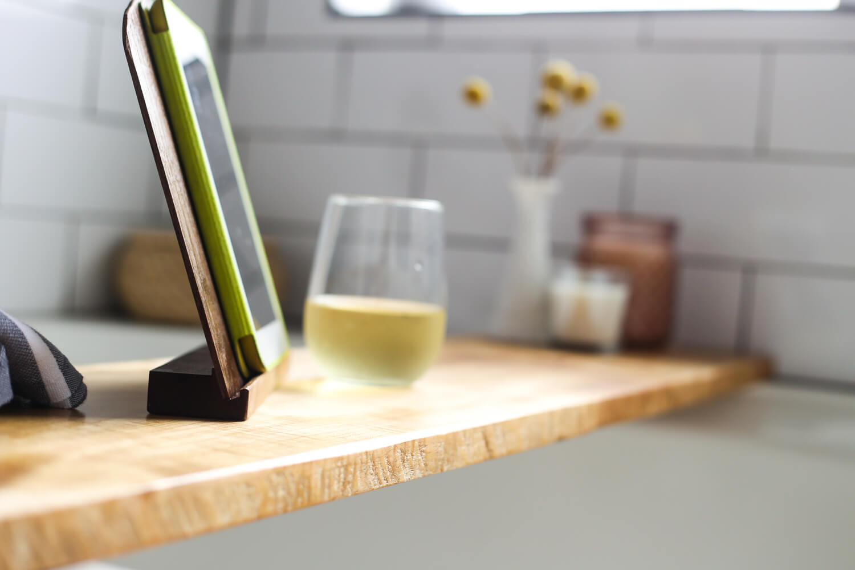 DIY Bathtub Tray - A Quick & Easy Tutorial // Love & Renovations