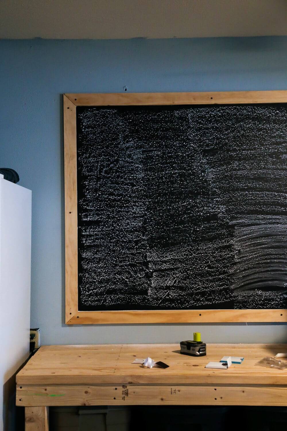 how to turn your wall into a giant blackboard love renovations. Black Bedroom Furniture Sets. Home Design Ideas