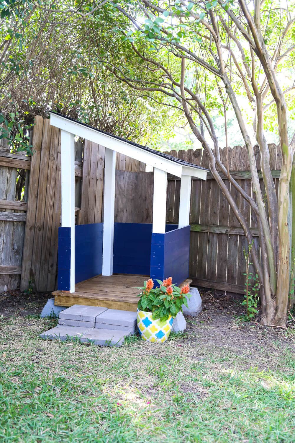 diy playhouse how to build a backyard playhouse for your toddler. Black Bedroom Furniture Sets. Home Design Ideas