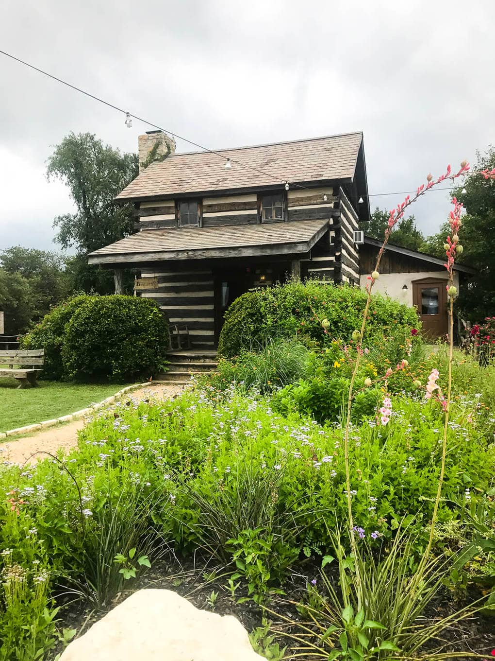 Heading to Waco to visit the Silos? Be sure you take a detour to visit Heritage Homestead - it's a gorgeous community with a similar feel to Magnolia but way fewer crowds! See all of the details here!
