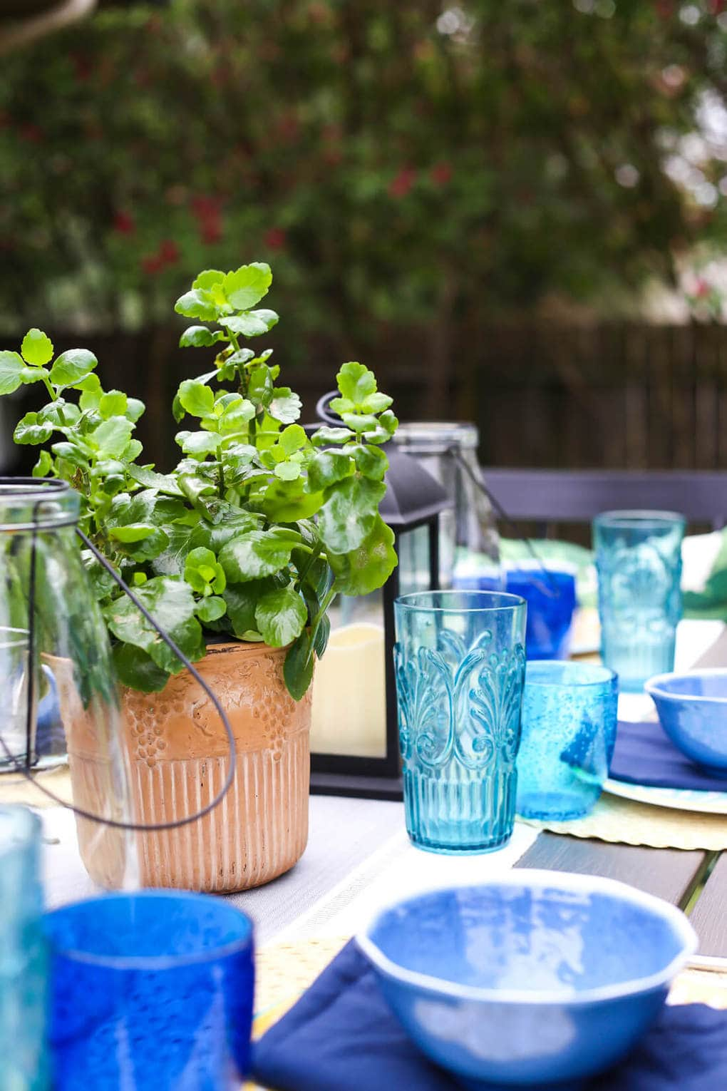 Quick tips, tricks, and ideas for a summer tablescape from 7 different blogs. Great inspiration for a beautiful table setting for your home this summer.