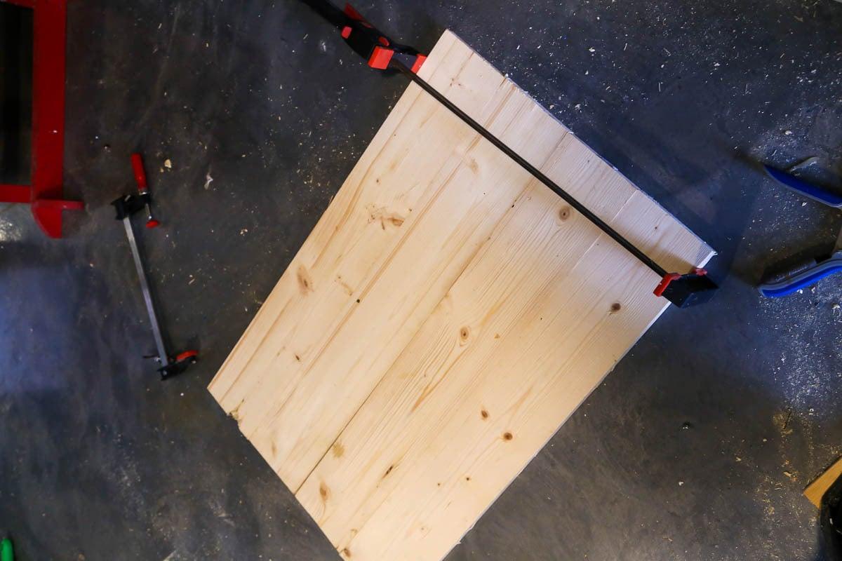Constructing DIY vertical planter