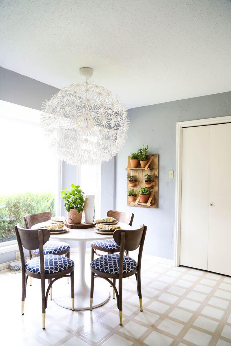 Easy DIY vertical wall planter tutorial