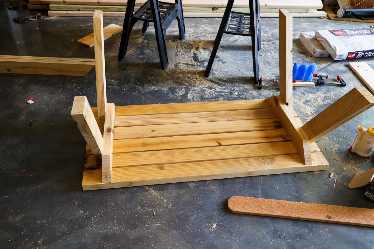 How to build a DIY kids picnic table