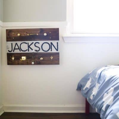 Easy DIY pallet wood wall hooks