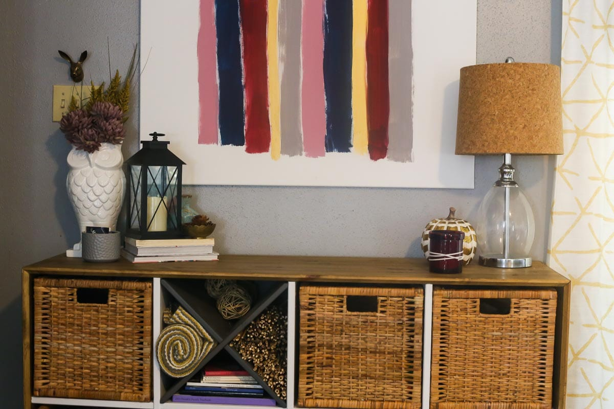 Basic tips and tricks for how to style an entry table for the fall season