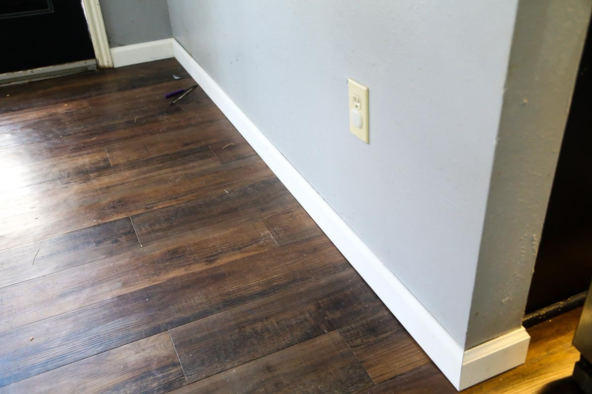 A DIY tutorial for how to install baseboards in your home