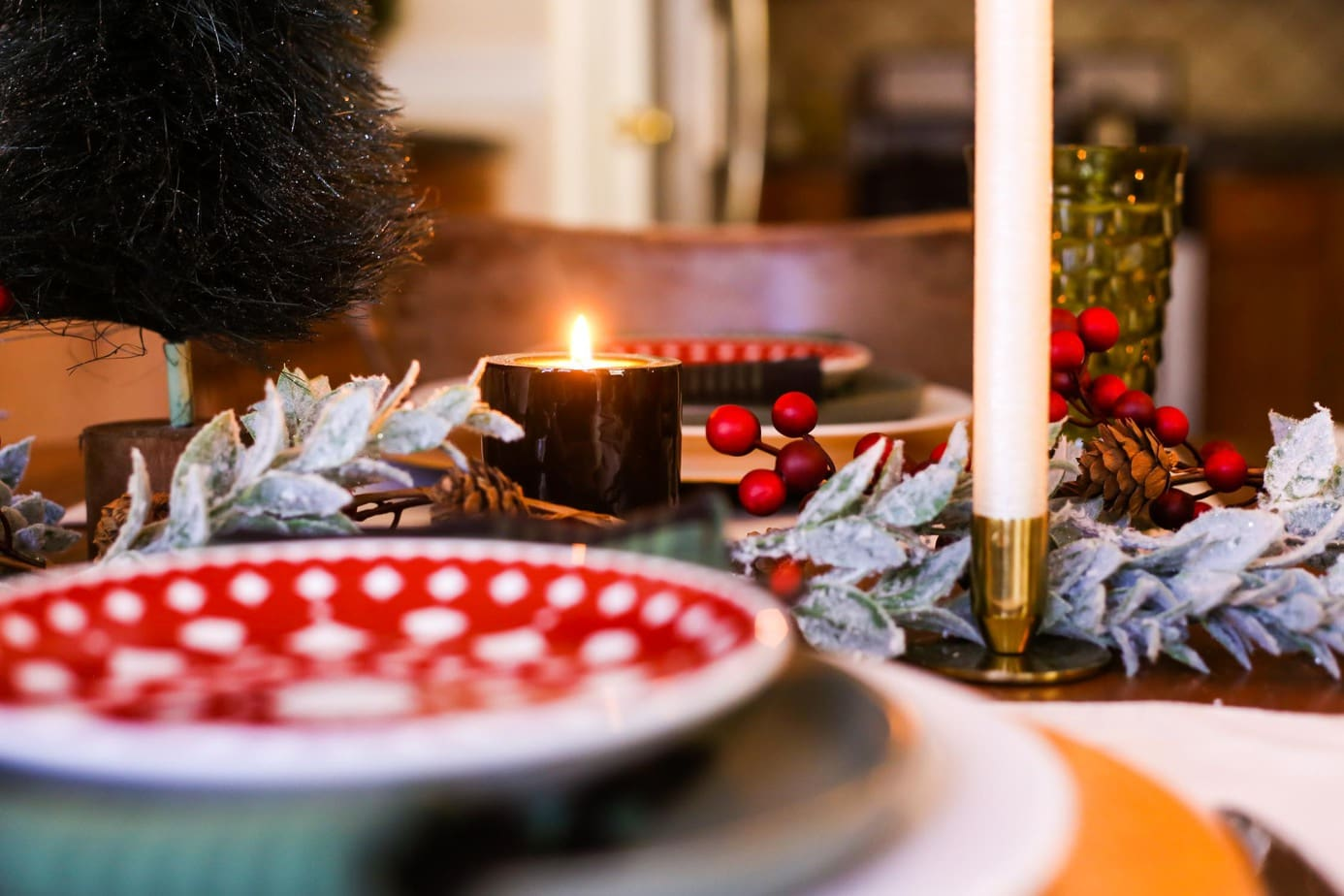 A charming Christmas table, with traditional red and green decor