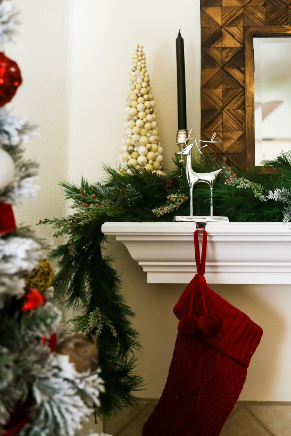 How to make an easy DIY Christmas garland