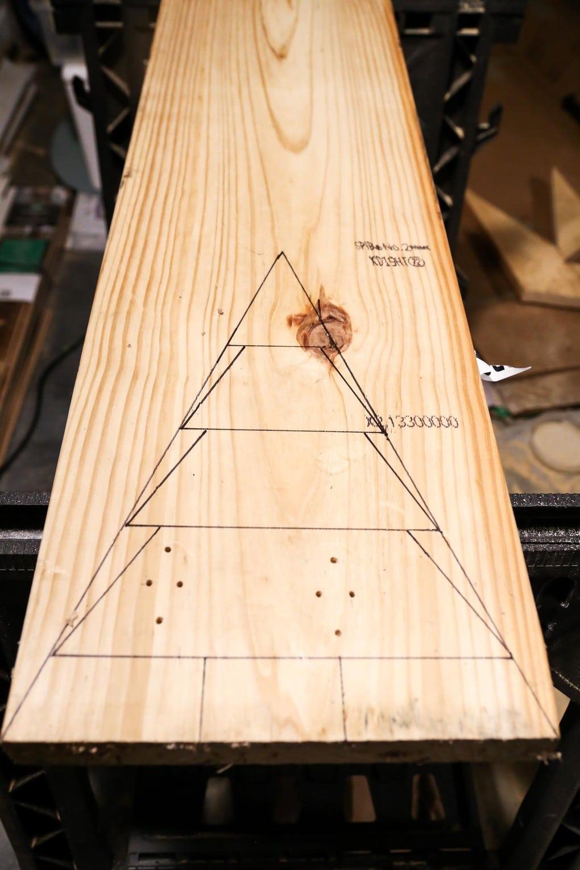 Drawing shape for DIY scrap wood Christmas tree