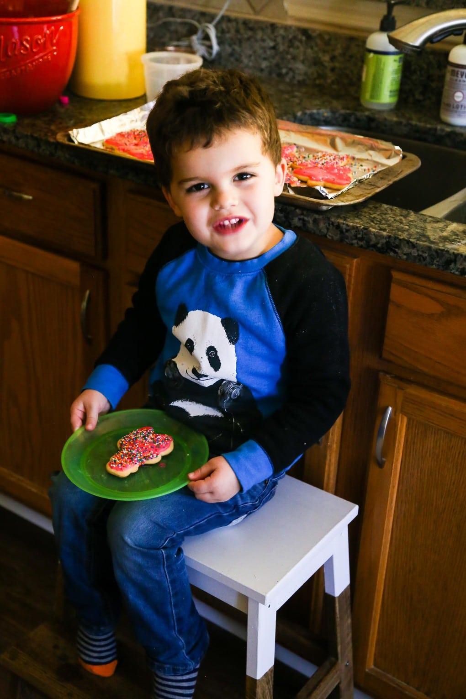 Making Christmas cookies with preschoolers