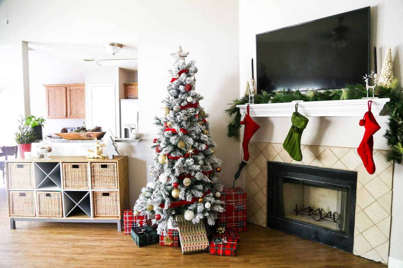 A cozy and beautiful Christmas home tour