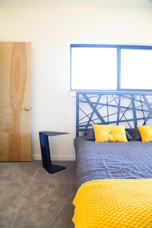 Midcentury modern bedroom design