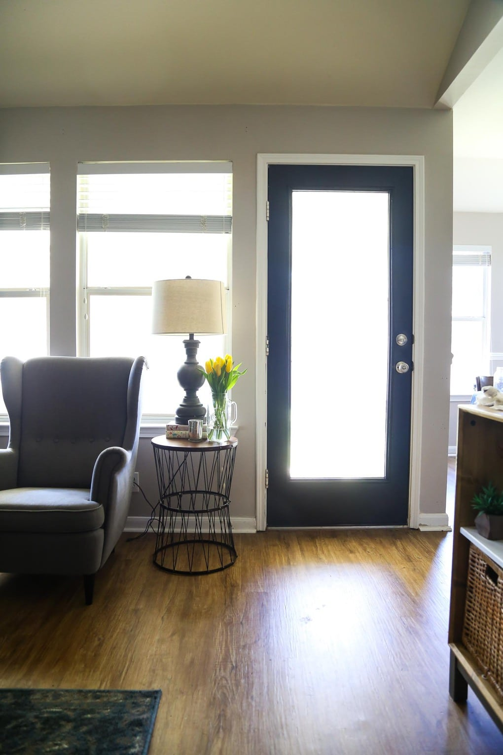 A gorgeous back door makeover with HANDy Paint - tips and tricks for painting an exterior door