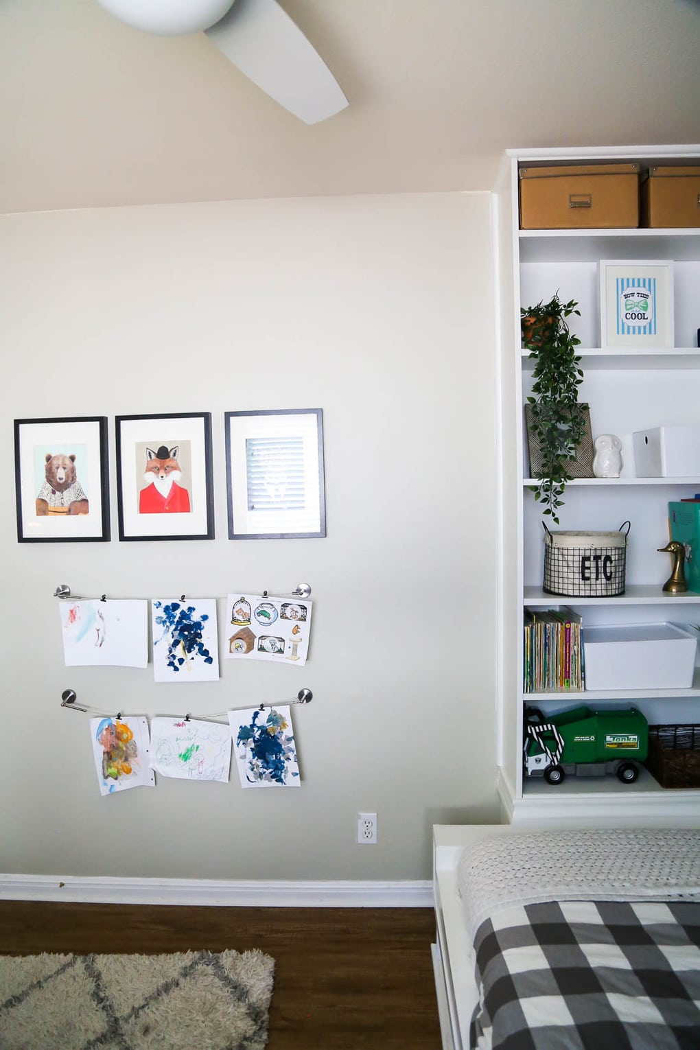 Easy kids art display