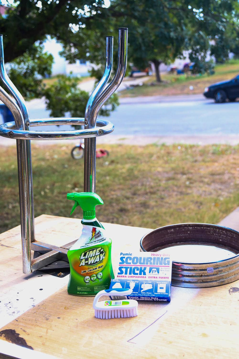 how to makeover rusty bar stools