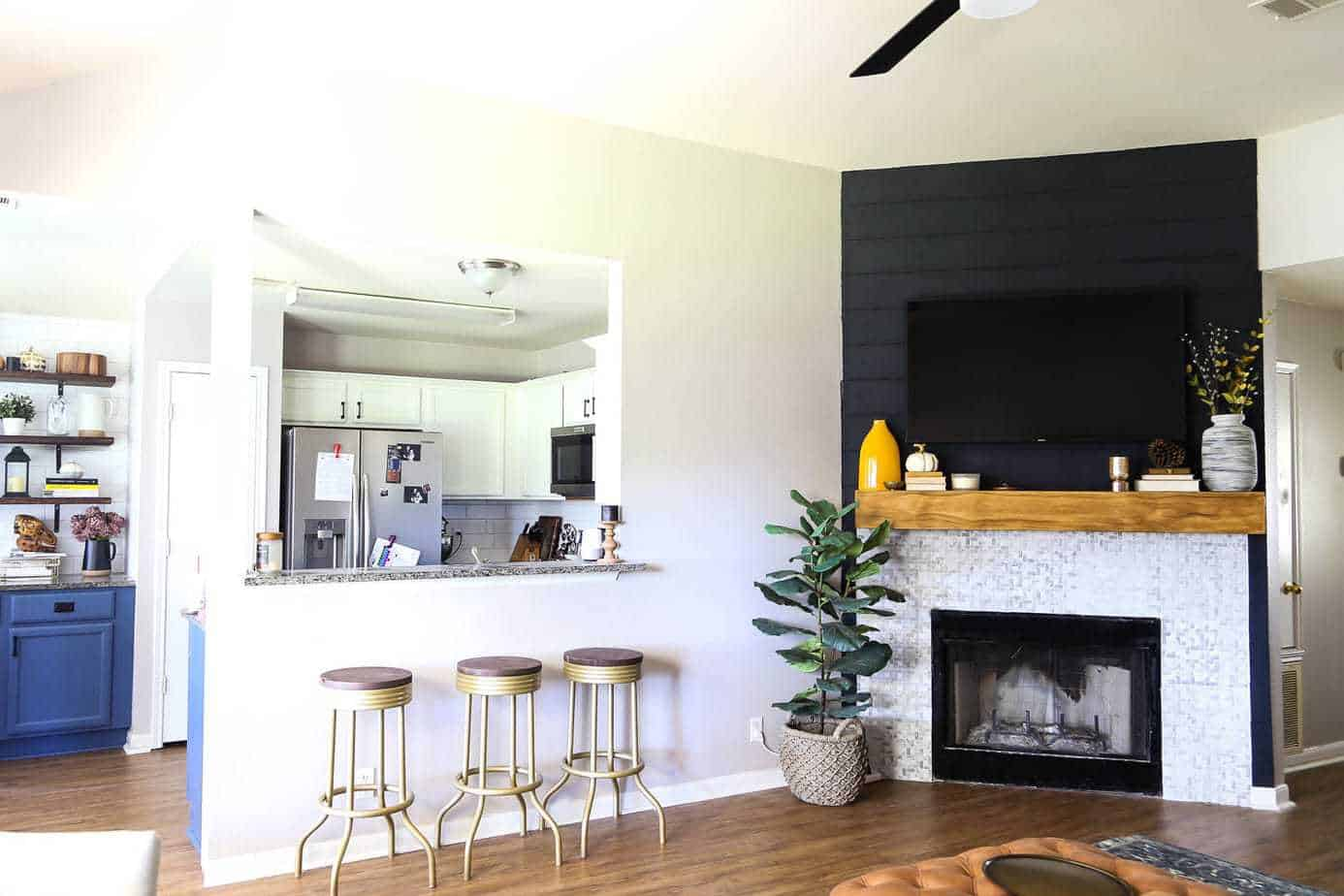 fireplace mantel DIY tutorial