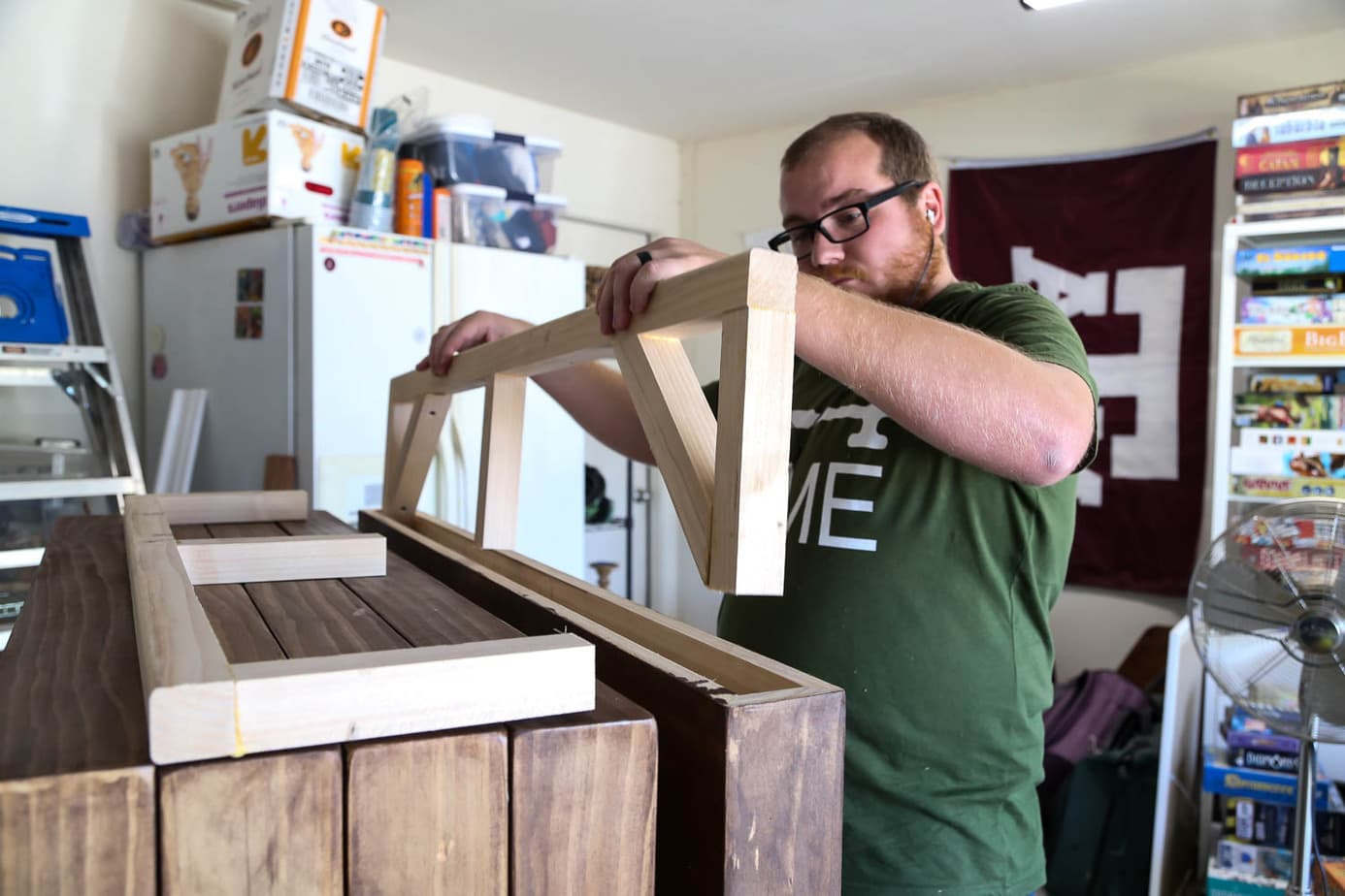 how to hang floating shelves with support board