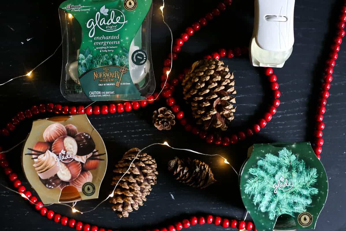Glade Holiday collection - candles and plug-in
