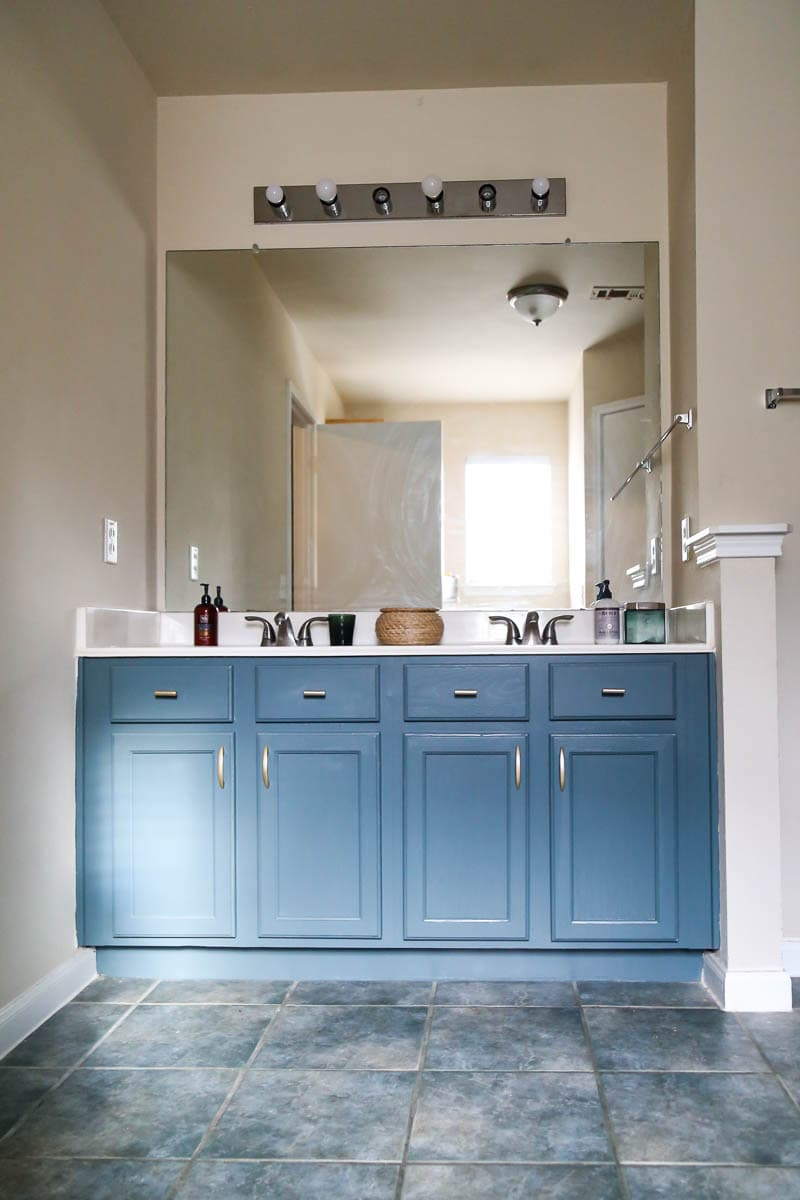 bathroom vanity painted with rustoleum gray harbor