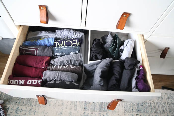 Drawer with shirts folded with the Konmari method