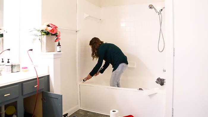 caulking bathtub