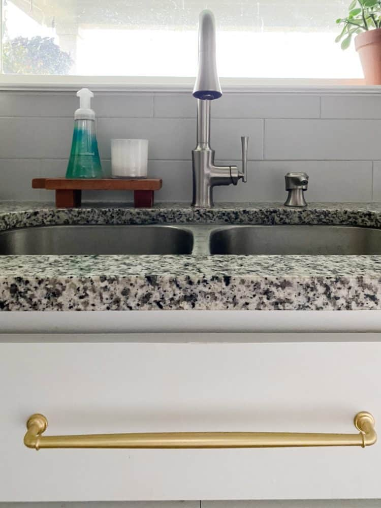 close up of Pfister Antrom faucet
